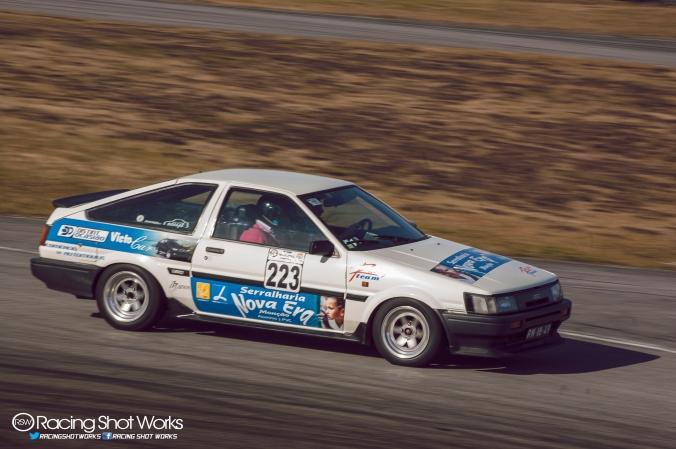 Precioso el Corolla GT-S AE86, parecía salido de cualquier puerto japonés de montaña.